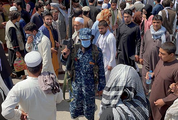 Боевик «Талибана» в Кабуле
