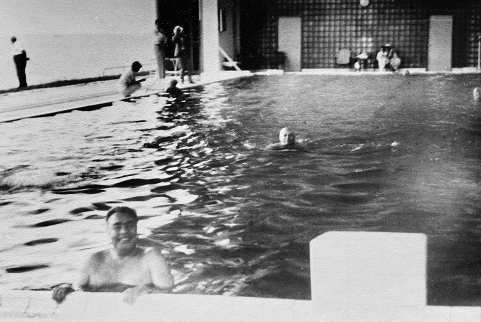 «Брежнев под рюмкой», Ялта, 1964 год