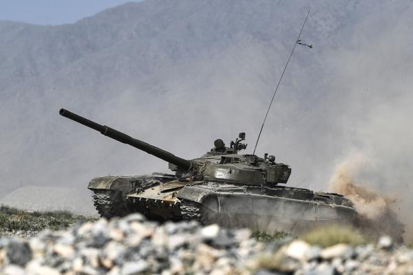 Российская армия получит более 240 современных танков до конца года