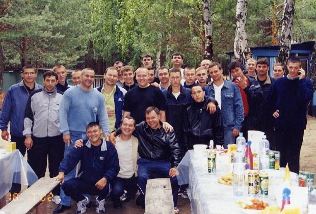 Участники Тагирьяновской ОПГ на отдыхе. 2002 год