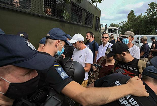 Задержанные члены «Нацкорпуса»