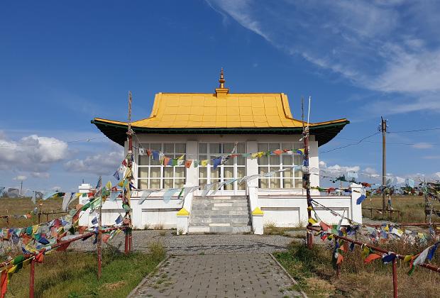 Постройка для медитаций на территории Старого хурула Сякюсн-Сюме