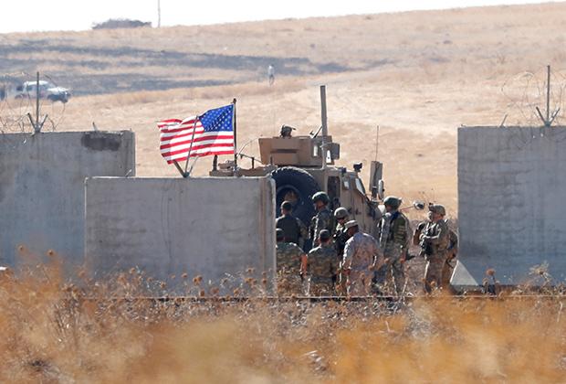 Турецкие и американские солдаты на турецко-сирийской границе