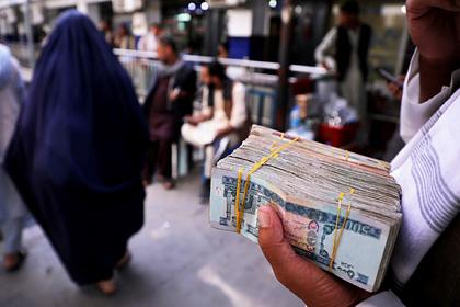 Талибы заявили о восстановлении работы банков
