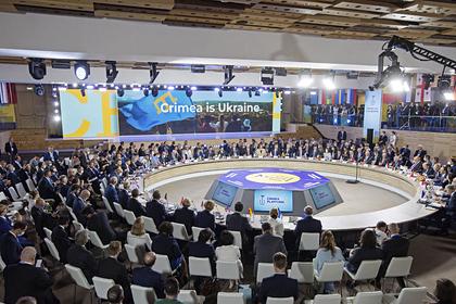 Зеленский позвонил главе МИД Украины после критики в адрес ООН из-за Крыма
