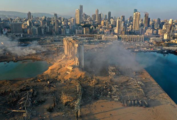 Последствия взрыва в порту Бейрута 4 августа 2020 года