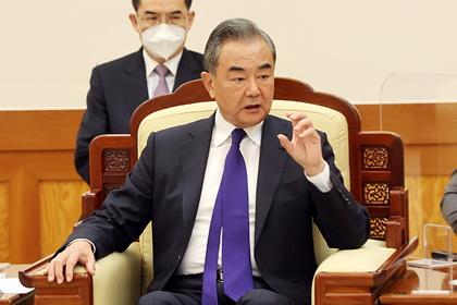 Китай призвал США взять ответственность за восстановление Афганистана