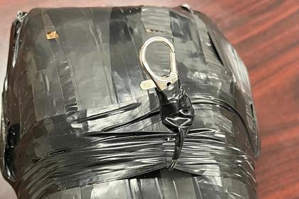 Беспилотник по ошибке сбросил посылку с наркотиками на школьный двор