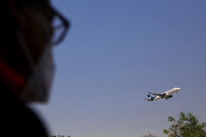 Самолет вернулся в аэропорт вылета из-за возгорания на высоте