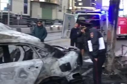 Три человека сгорели заживо в автомобиле