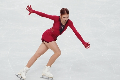Трусова упала и выиграла короткую программу на турнире в США