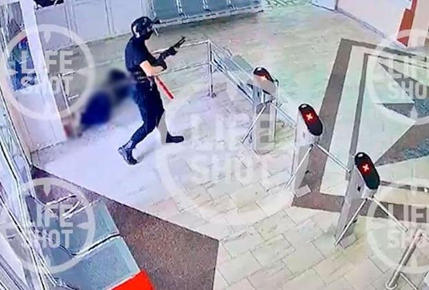 Тимур Бекмансуров на проходной вуза после убийства охранника