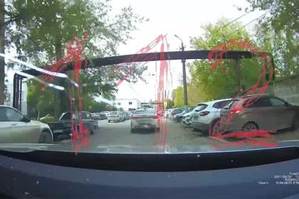 Опубликовано видео со стрельбой по машинам напавшего на пермский вуз