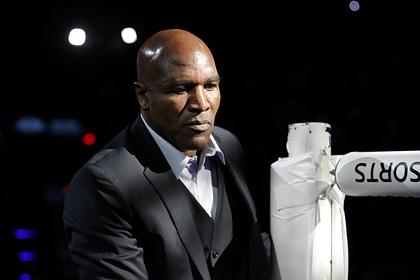58-летнего Холифилда собрались вернуть на ринг после нокаута