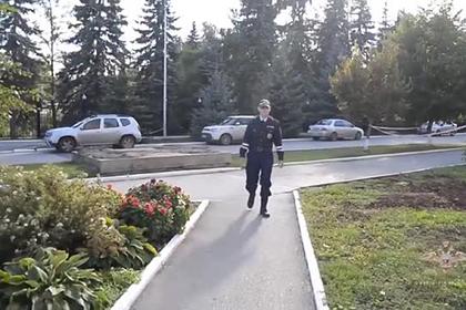 Полицейский рассказал на видео об обезвреживании напавшего на вуз в Перми