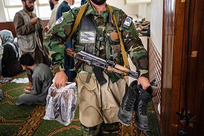 Пакистан пообещал помочь талибам подготовить службы безопасности
