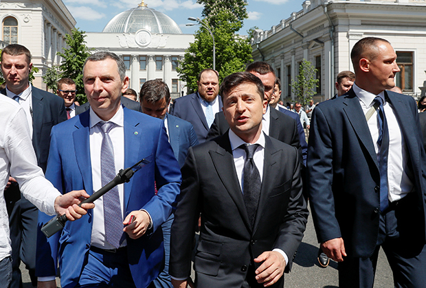 Владимир Зеленский (в центре) и Сергей Шефир (слева)