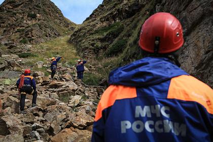 Группа альпинистов запросила помощь спасателей на Эльбрусе