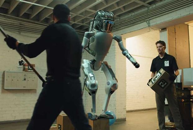 Тестирование прототипа антропоморфного робота Boston Dynamics