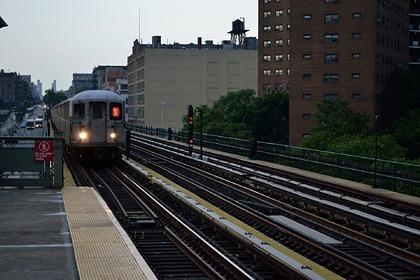 При сходе поезда с рельсов в США пострадали более 50 человек