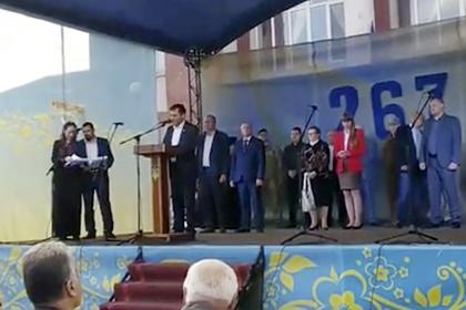 На Украине мэр с трудом поздравил жителей с Днем города на государственном языке