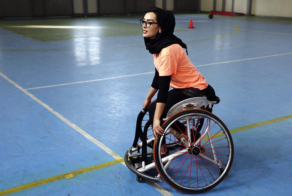 Баскетболистка на колясках Нилофар Баят