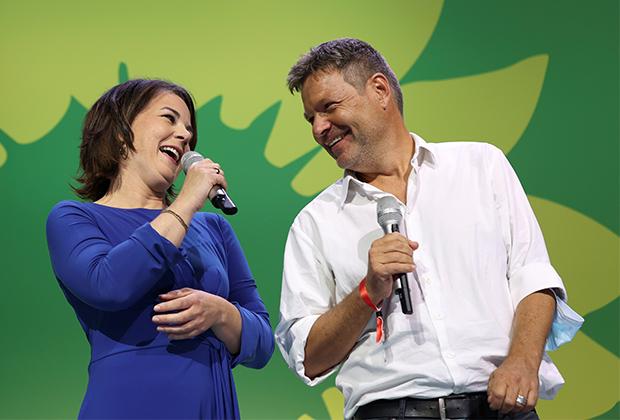 Сопредседатели партии «Зеленых» Анналена Бербок и Роберт Хабек