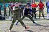 В некоторых отрядах ФСИН краповых беретов нет вообще — но они тем не менее выходят на соревнования каждый год. Поблажек не делают ни для кого.