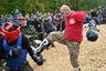Во время спарринга инструкторы не дают поблажек бойцам: если открылся — не обижайся.На каждую схватку отводится 12 минут — 720 секунд.