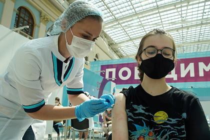 Россиянам спрогнозировали неспокойную по коронавирусу осень