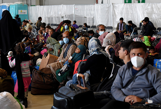 Афганские беженцы на авиабазе Рамштайн в Германии