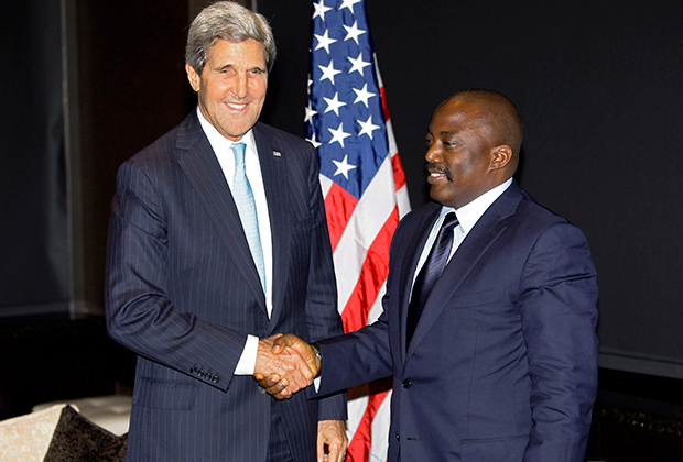 Глава Госдепа Джон Керри и президент Демократической Республики Конго Жозеф Кабила, 2013 год