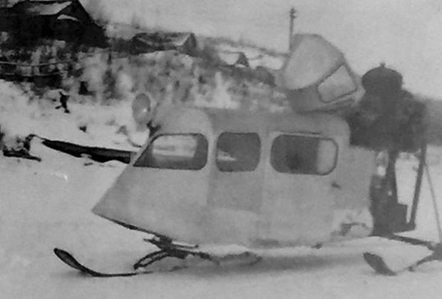 Скимобиль с двигателем от самолета на Красном озере, Канада, 1937 год