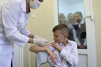 Россиянам раскрыли название детской вакцины от коронавируса