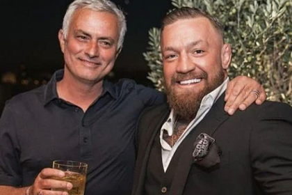 Моуринью выпил виски с Макгрегором