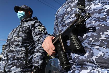 В Санкт-Петербурге росгвардейцы со стрельбой задержали пьяных дебоширов