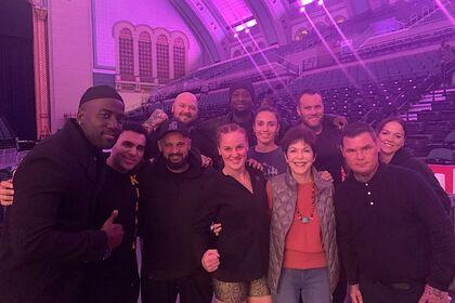 Чемпионка UFC Шевченко показала фото со съемок фильма для Netflix