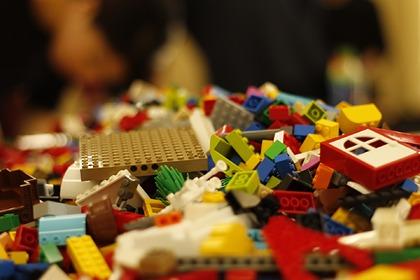 Подросток с винтовкой из «Лего» напугал местных жителей