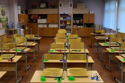 В российском регионе из-за ситуации с COVID-19 в школах объявили каникулы