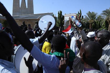 Полиция Судана применила спецсредства против недовольных правительством