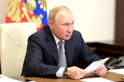Путин обсудит введение нерабочих дней в России