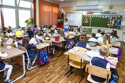 Врач оценил влияние продленных школьных каникул на заболеваемость коронавирусом