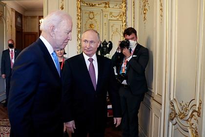 В Кремле оценили вероятность встречи Путина с Байденом в ближайшие месяцы