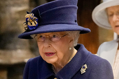 Елизавета II отменила поездку по настоянию врачей