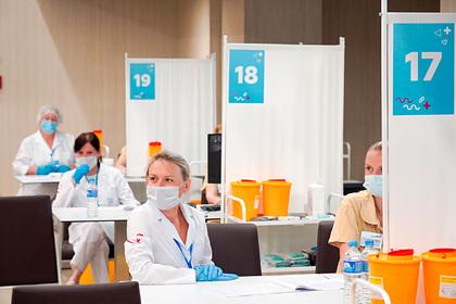 Путин призвал наращивать темпы вакцинации от COVID-19 по всей России