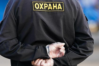 В российском магазине охранник сломал позвоночник школьнику