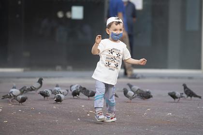 Врач объяснил необходимость носить маски детям в общественных местах