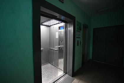 В московской пятиэтажке упал лифт с десятью пассажирами