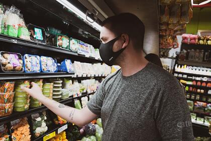 Названы последствия отказа от ношения маски в магазинах