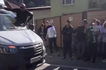 Жители Сочи перекрыли дорогу из-за не устроившей их новой схемы движения